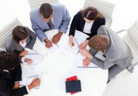 Làm sao để đánh giá kết quả thực hiện công việc của nhân viên tốt nhất?